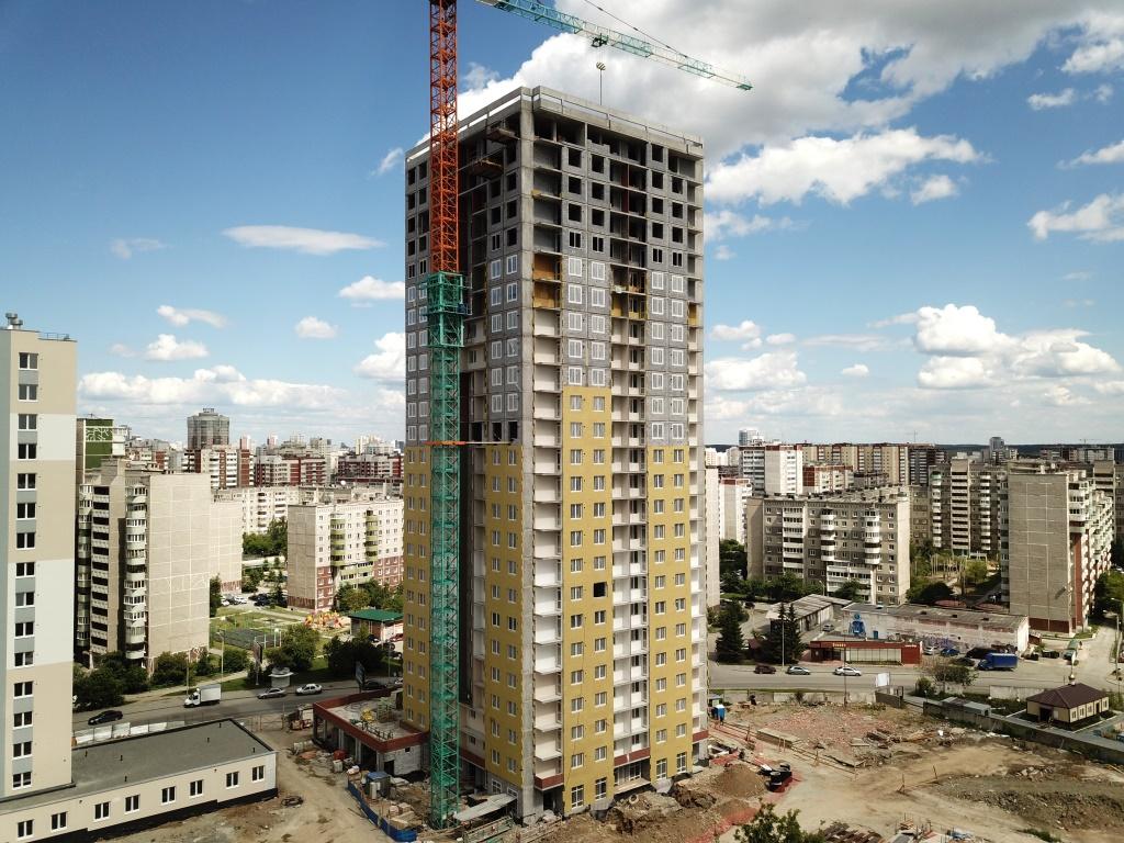 Строительство «аметистового» дома идёт с существенным опережением сроков. Его строительная готовность — конец 2019 года, а это почти на полгода раньше утверждённого графика