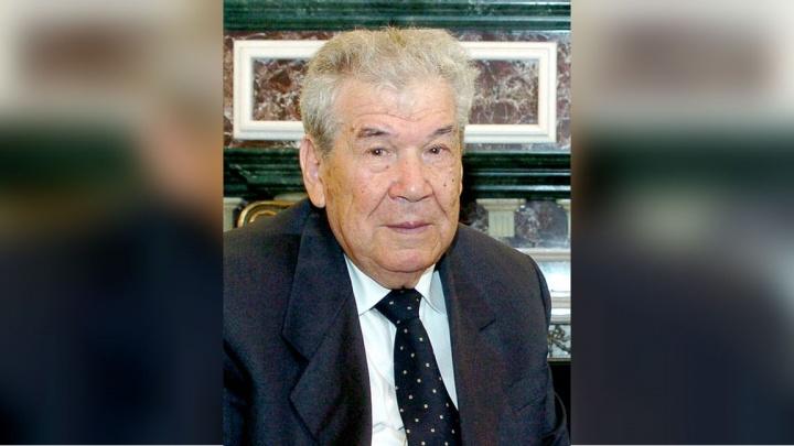 К 100-летию со дня рождения Мустая Карима в Уфе выпустят его полное собрание сочинений