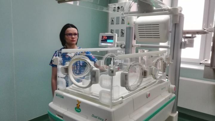 В ярославском перинатальном центре появился инкубатор, который поможет спасать недоношенных детей