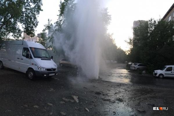 Это фонтан наСерафимы Дерябиной