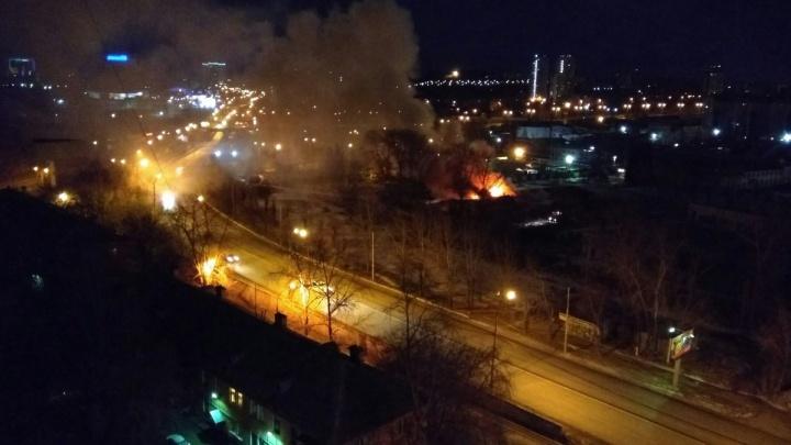 """В районе будущего """"золотого"""" автовокзала второй раз за две недели вспыхнул пожар"""