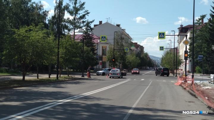 Часть улицы Урицкого полностью перекрыли на неделю из-за ремонта