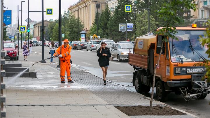 «В марте помыли и было в 10 раз чище»: чиновники вдвое увеличивают объемы работ по борьбе с пылью