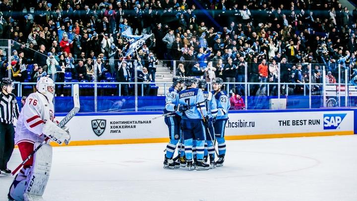 Уверенная победа: ХК «Сибирь» обыграл «Витязь»