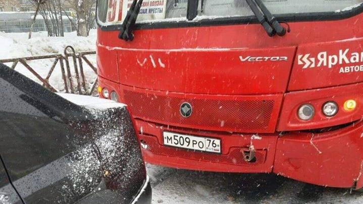 «Это была автоподстава»: в Ярославле хозяин маршрутки опубликовал скандальное видео ДТП
