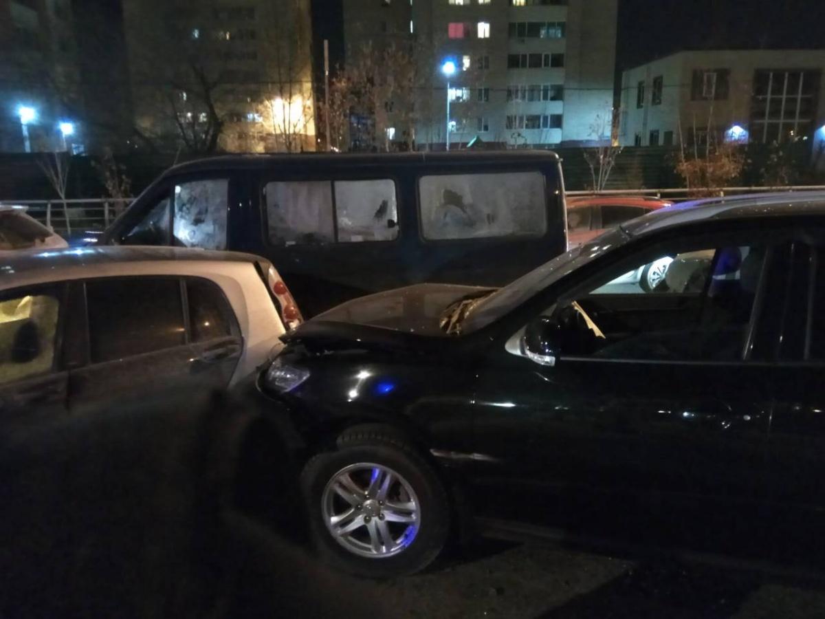 На дороге собрался «паровозик» из восьми машин