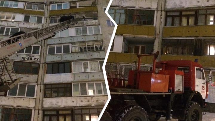 В Тюмени мужчина изнасиловал девушку и закрылся в квартире. Его пришлось доставать через балкон
