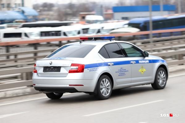 На месте аварии работали сотрудники спецслужб