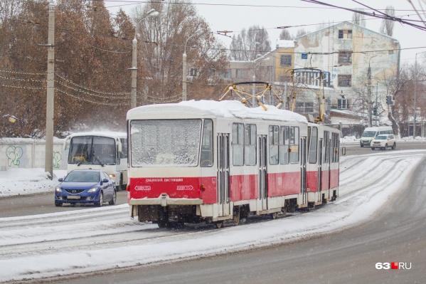 Его маршрут, который пролегал от станции метро «Победа» до Барбошиной поляны, продлили до стадиона