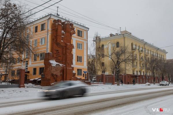 По словам горожан, снег не убирают даже в центре