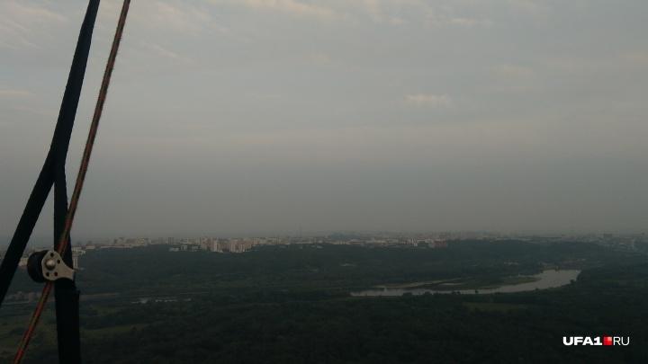 Смог кружится, летает, летает: на трассе в Башкирии сильное задымление