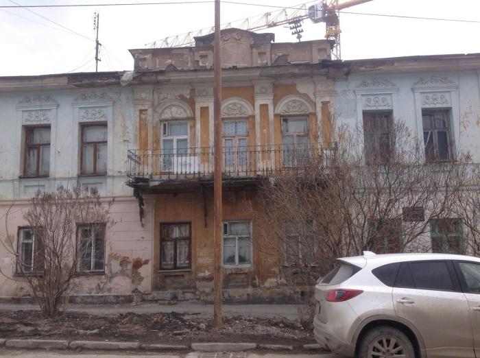 Дом на улице Чернышевского, 9 находится под охраной, но выглядит не очень