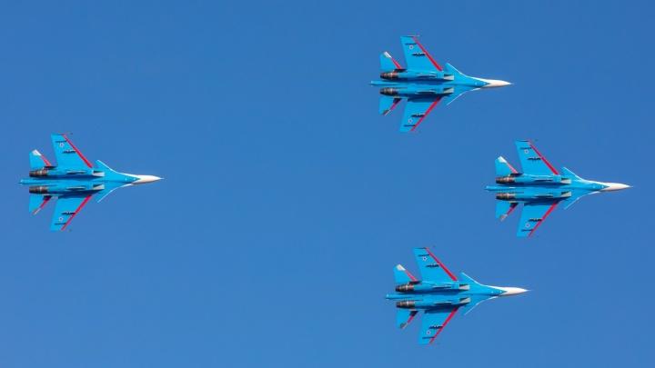Стало известно, во сколько над Красноярском пролетят военные истребители