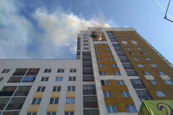 Взрыв произошел на 15-м этаже дома № 46 на Мехренцева