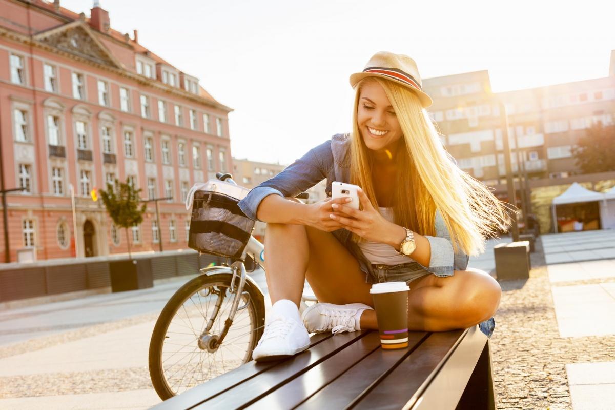 Запретить подписки, купить смартфон в trade-in: как экономить на мобильной связи в учебном году