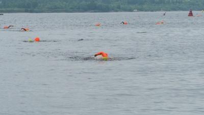 «Два километра — это не много». В Перми состоялся массовый заплыв через Каму