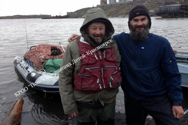 Сергей на фото слева