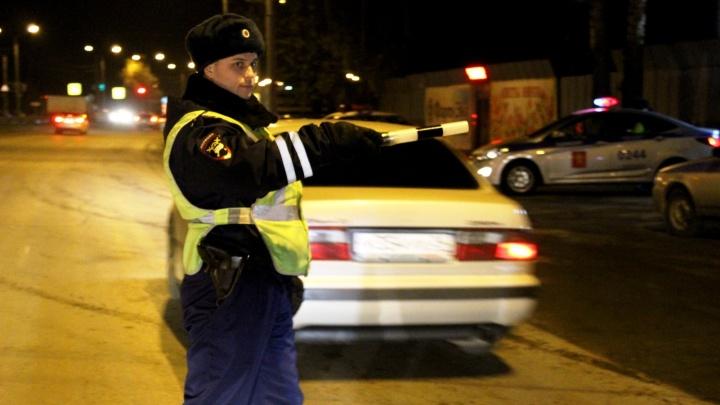 Буйный наркоман-пассажир пытался удрать от инспекторов при проверке документов