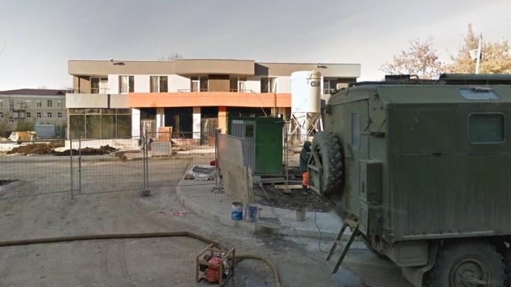 Двухэтажную гостиницу в районе Автовокзала достроят до 16-этажного жилого дома