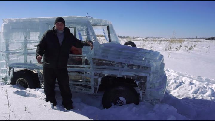 Новосибирцы расстреляли «Гелендваген» изо льда на полигоне