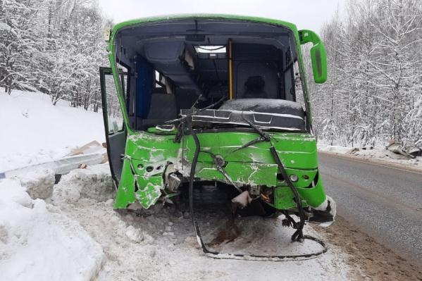 Автобус попал в серьезное ДТП 26 января