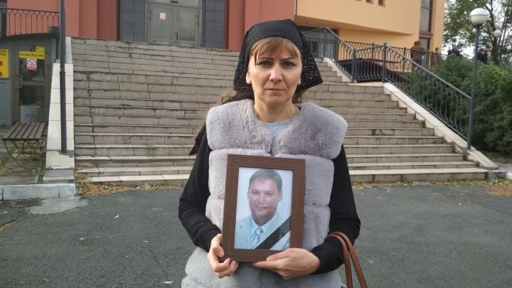 В крематории челябинке не выдали урну с прахом мужа, которого перепутали с другим покойником