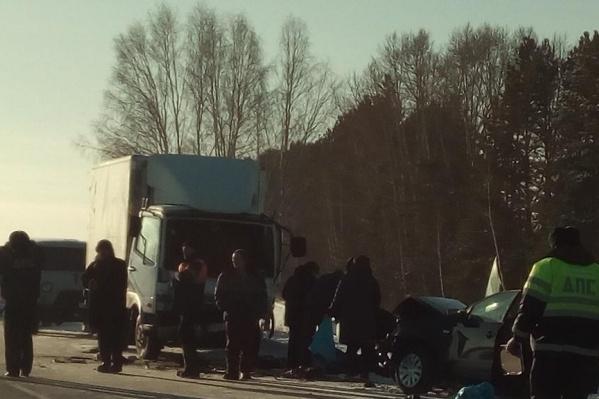 В аварии погибли три человека —они находились вVolkswagen Polo