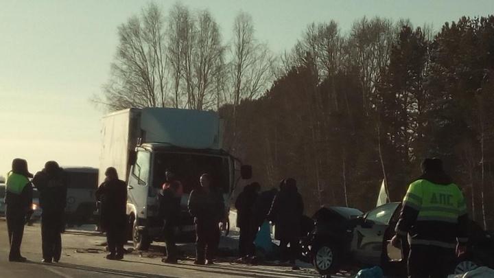 Подробности ДТП с тремя погибшими в Мошковском районе: водитель выехал на встречку