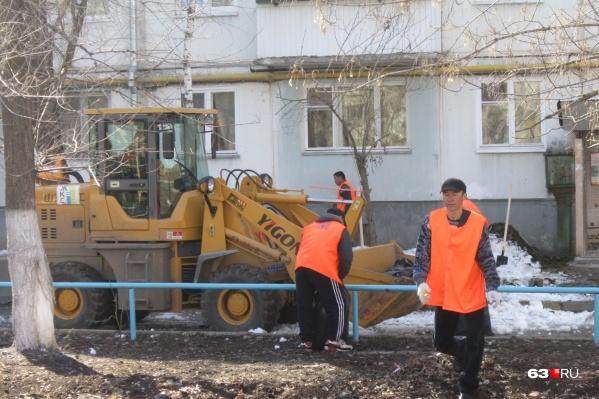 Городские территории очистят от бытовых отходов, опавших веток и листвы