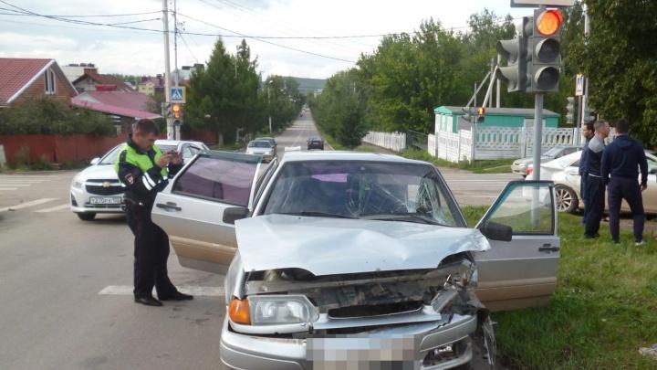 В Башкирии в ДТП пострадали двое взрослых и двухлетний ребёнок