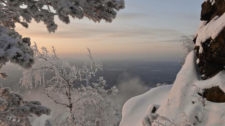 МЧС выпустило штормовое предупреждение: на Свердловскую область надвигается сильный снегопад и ветер