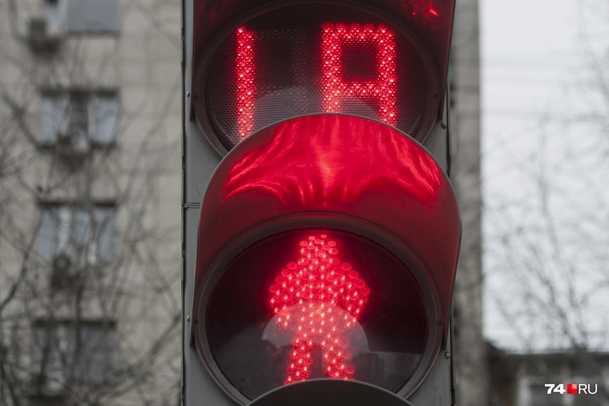 Установке новых знаков и светофоров на гостевом маршруте к саммитам ШОС и БРИКС дали красный свет