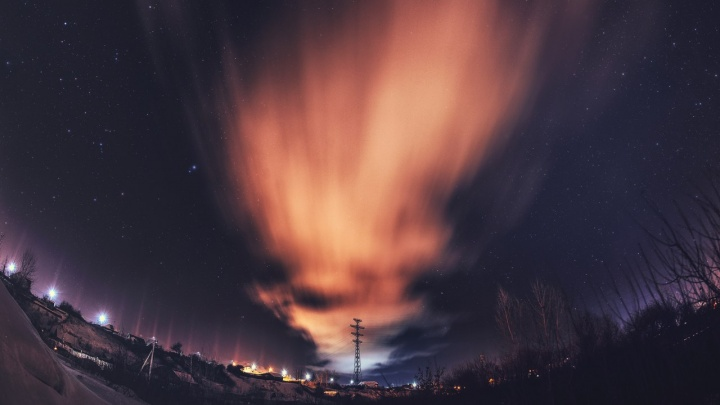 Потоп, отключение электричества и завораживающее небо: как Тюмень пережила второй морозный день