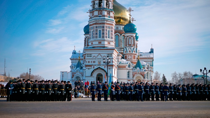 Парад в День защитника Отечества: онлайн-трансляция с Соборной площади