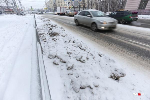 В Челябинске определились с подрядчиками по уборке всех городских дорог