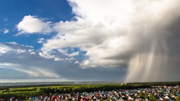 Идёт стеной: новосибирец красиво снял надвигающийся на город дождь