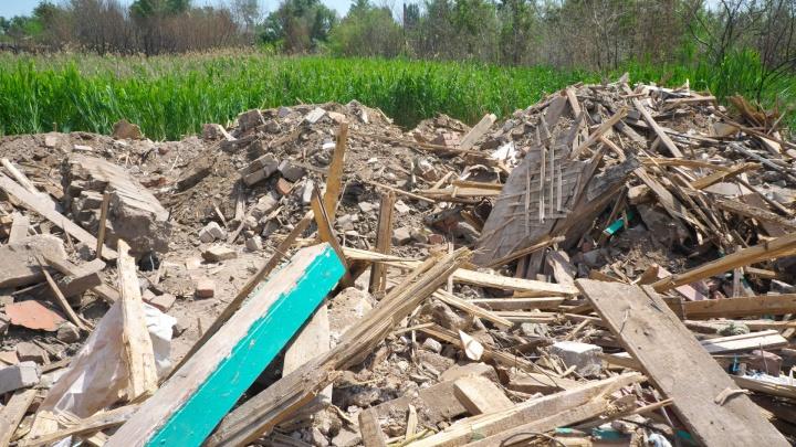 «Будем называться мусорным полигоном»: в Калаче-на-Дону продолжают смывать дома в воду