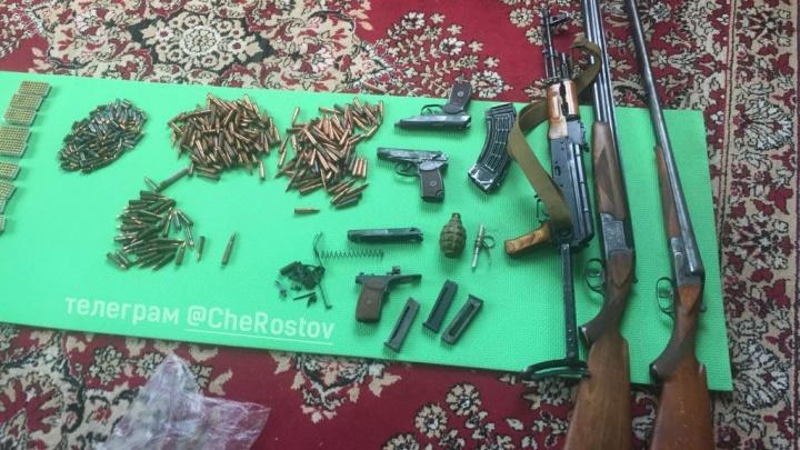 Запасся даже гранатой: в Батайске обнаружили оружейный схрон в частном доме