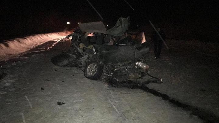 Смертельная авария на трассе в Башкирии: водитель на легковушке залетел под МАЗ