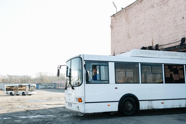 Участников движения просят быть внимательнее к общественному транспорту