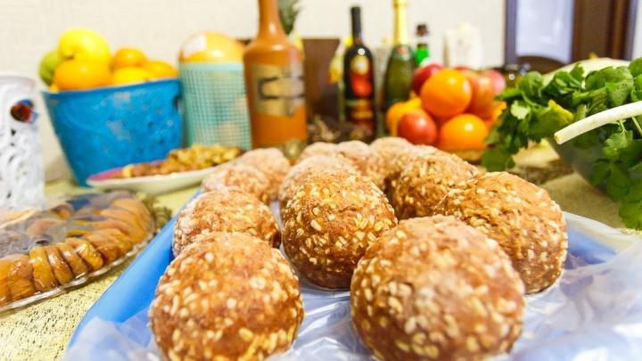 Килограммы колбасок и литры чая: волгоградцев зовут на фестиваль еды