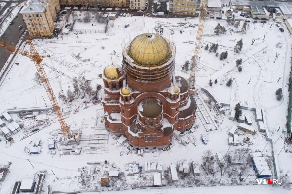 К Пасхе на храме появится шестиметровый крест
