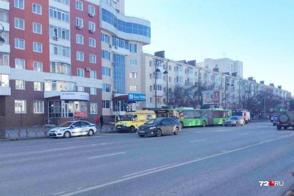 Тюменские автомобилисты заметили, что в автобусе что-то произошло