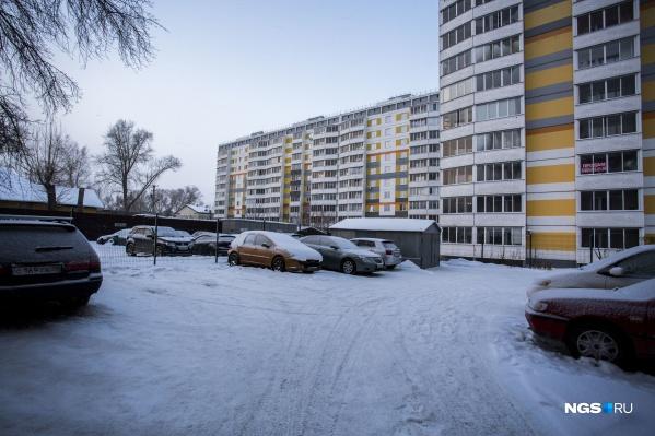 Застройщики начали открыто жаловаться на потребителей-экстремистов: один из случаев в ЖК «ЧеховSKY» даже дошёл до разбирательства в УАСИ (управление архитектурно-строительной инспекции мэрии)