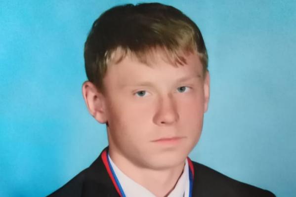 Родители не верят, что Антон умер из-за проблем с сердцем. Они уверяют, что молодой человек был абсолютно здоров