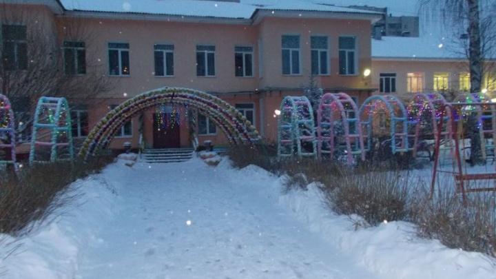 Из детского сада на Уралмаше сбежала пятилетняя девочка