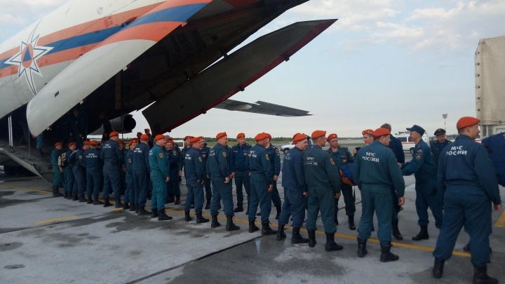 Новосибирские спасатели уехали в Иркутскую область бороться с лесными пожарами