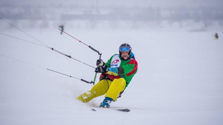 Уральскиесноукайтеры привезли медали с Кубка России, поборов сильный снегопад на Каме