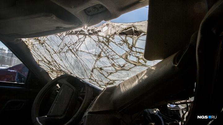 «Жигули» и Toyota сошлись в лобовом — водитель погибла, ещё два человека оказались в больнице