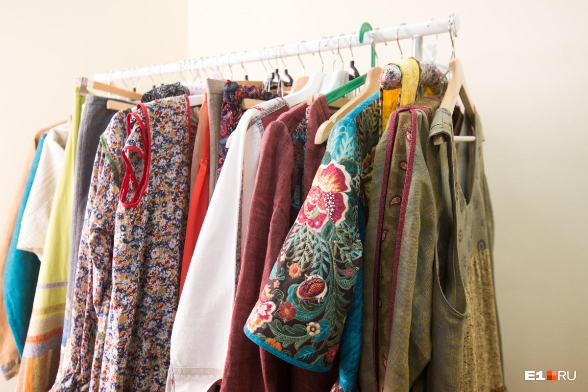 Коллекции, которые шьют Любовь и Мария, они не продают. А обычную одежду от них купить можно